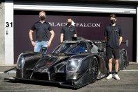 Rosenberg, Munding en Arnold naast de Ligier JS P320 Black Falcon