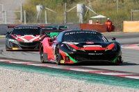 Murad Sultanov (Ferrari) voor Jens Reno Moller (Honda)