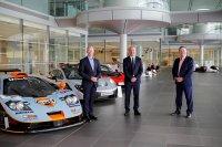 Mike Flewitt (CEO McLaren Automotive) - Mike Jones (CEO Gulf Oil) - Zak Brown (CEO McLaren Racing)