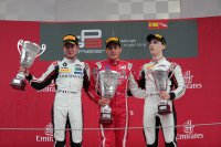 Podium race 2 GP3 Spanje