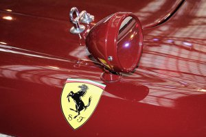 Autoworld: Expo Ferrari 70 Years