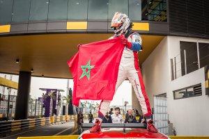 Macau: Bennani wint openingsrace voor Coronel, Michelisz crasht (+Video)