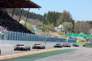 Over en uit voor de Formula V8 3.5