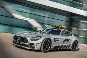 Mercedes schenkt Bernd Mayländer nieuwe dienstwagen