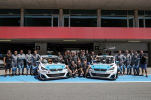 Team Altran Peugeot - Winnaars Teams toerwagens 24H SERIES Powered by Hankook