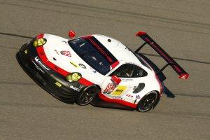 Vanthoor/Estre/Lietz - Porsche 911 RSR GTE
