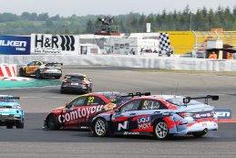 Frédéric Vervisch vs. Luca Engstler - WTCR Nürburgring 2021
