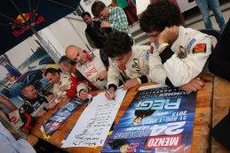 24H Zolder: Beelden van de handtekeningsessie