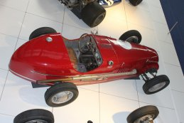 Presentatie Grand Prix Revival Nivelles Baulers in Autoworld Brussels