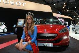 Annelies Törös (Miss België 2015) autosalon Brussel 2015