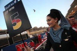 grid girl GP Bahrein 2015
