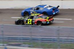 Anthony Kumpen (PK Carsport - Ford Mustang) vs. Ander Vilarino (TFT Banco Santander - Chevrolet SS)