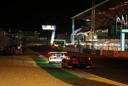 nachtelijk beeld start/finish 24 Heures du Mans 2015
