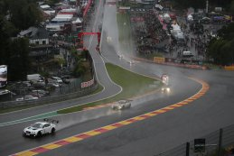 Start 24 u van Francorchamps 2015 Bentley Team