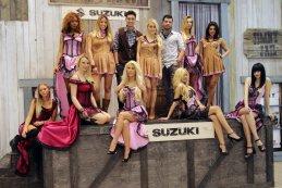 Suzuki Hostessen