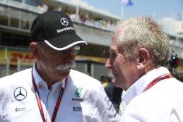 Dieter Zetsche Baas Mercedes samen met Helmut Marko tijdens de Spaanse GP 2016