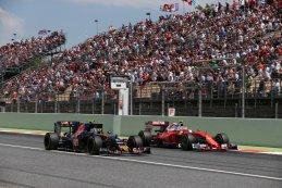 Kimi Raikkonen Scuderia Ferrari Carlos Sainz Torro Rosso