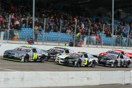 Anthony Kumpen - PK Carsport Chevrolet SS vs. Frederic Gabillon - Scuderia Giudici Ford Mustang