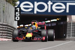 Daniel Ricciardo - Red Bull Racing op weg naar de pole-position