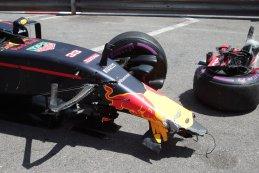 schade wagen Max Verstappen - Red Bull Racing