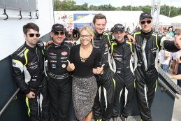 Eline De Munck en piloten VGL Racing
