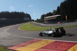 Mercedes F1 W07 Hybrid met Halo systeem
