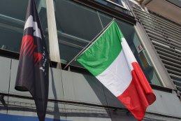 Italiaanse - & FIA vlag F1 GP Italië 2016
