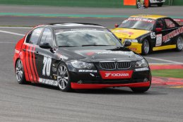 Skylimit Yokohama Racing Team - BMW E90 325i