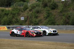 AKKA ASP vs. Bentley Team M-Sport - Mercedes-AMG GT3 vs. Bentley Contintental GT3
