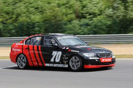 Skylimit Yokohama Race Team - BMW E90 325i