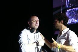 Bruno Senna (r.) mag zelf ook even voor DJ spelen