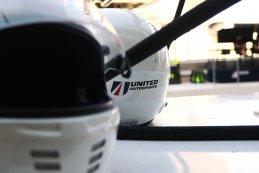United Autosports helm