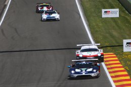 Ford Chip Ganassi Racing Team UK vs. Porsche GT Team - Ford GT vs. Porsche 911 RSR