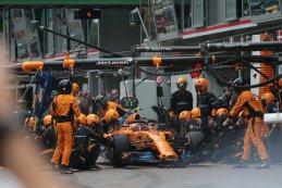 Pitstop Stoffel Vandoorne - McLaren