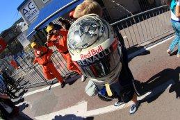 Helm Sebastian Vettel