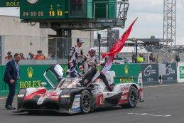 Fernando Alonso, Sébastien Buemi, Kazuki Nakajima - winnaars 2019 24 Heures du Mans