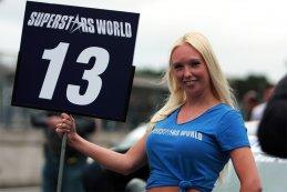 Superstars @ Zolder: Superstars gridgirls op zondag