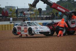 Spin van Xavier Maassen in de #76 AAI Porsche 911 GT3 RSR