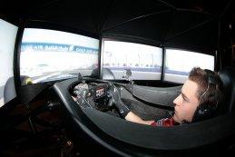 Stoffel Vandoorne aan het werk in de simulator