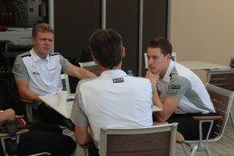 Keving Magnussen - Sam Michael (Sportief Directeur McLaren) - Stoffel Vandoorne