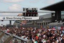 24 uren van de Nürburgring een maand vroeger in 2015