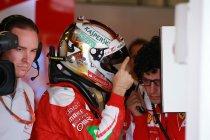 China: Vettel snelste in uitgeregende laatste vrije training