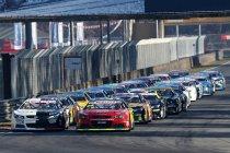 Vol startveld voor openingsmanche van de NASCAR Whelen Euro Series