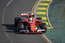 Australië: Vettel en Ferrari verslaan Mercedes - Vandoorne brengt auto aan de meet