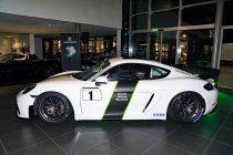 Sven Van Laere, Luc Vanderfeesten en Ad Geerts met Cayman GT4