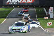 Supercar Challenge powered by Pirelli verovert Brands Hatch