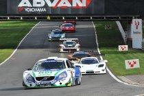 Brands Hatch: Race 1: Ondanks drive-through toch overwinning voor Kelvin Snoeks