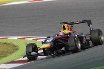 GP3: Barcelona: Comfortabele overwinning voor Alex Lynn