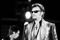 Video: Overleden Johnny Hallyday's Dakar-avontuur