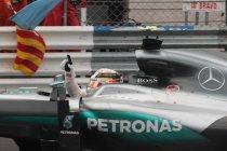 Monaco: Red Bull gooit overwinning in schoot van Hamilton na pitstopblunder